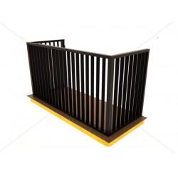 Tiesus balkono turėklas plokščiu strypų užpildu